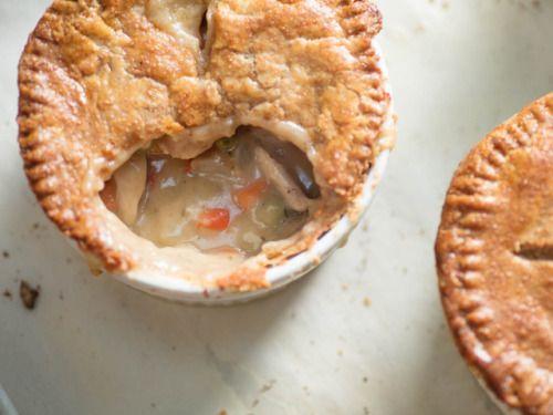 Individual Double-Crusted Chicken Pot Pies RecipeFollow for  Mein Blog: Alles rund um die Themen Genuss & Geschmack  Kochen Backen Braten Vorspeisen Hauptgerichte und Desserts