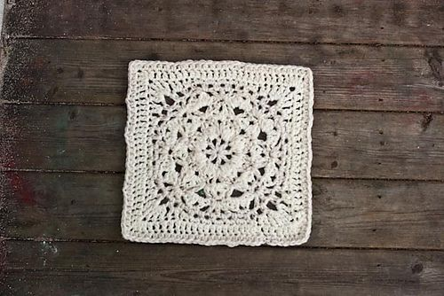 Velvet and Lace Square patternCrochet Granny, Crochet Velvet, Lace Squares, Squares Pattern, Granny Squares, Square Patterns, Crochet Couture Tricot, Crochet Sewing Knits, Crafts