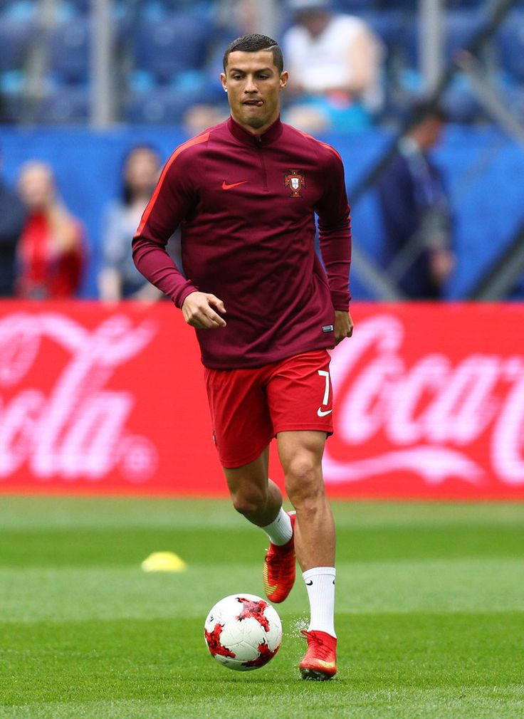 Cristiano Ronaldo Photos Photos - Cristiano Ronaldo of Portugal warms up prior to the FIFA Confederations Cup Russia 2017 Group A match between New Zealand and Portugal at Saint Petersburg Stadium on June 24, 2017 in Saint Petersburg, Russia. - New Zealand v Portugal: Group A - FIFA Confederations Cup Russia 2017