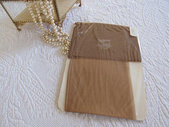 Pair Full Fashioned Unused Vintage SEAMED Nylon Stockings Sz