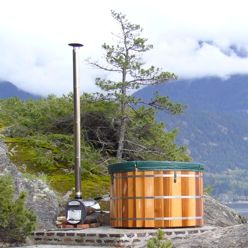 Free Shipping on Naturally Beautiful Hot Tubs.  Visit Zen Bathworks Today!