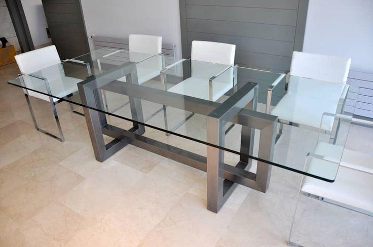 THASOS  - Mesa de vidrio moderna: Comedor de estilo  de GONZALO DE SALAS