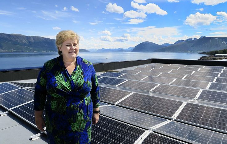 – De som ikke tør innrømme at de trenger kompetansepåfyll, kommer til å få vanskeligheter i arbeidslivet, sier statsminister Erna Solberg, som advarer arbeidsgivere mot å gi opp folk over en viss alder.