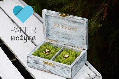 Wooden RING box Personalizowane pudełko na obrączki z preparowanym mchem ♥  Napisy grawerowane ♥ https://www.facebook.com/Papier.nozyce