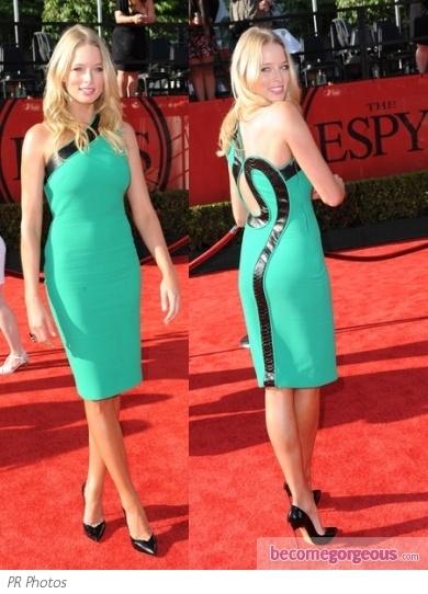 Rachel Nichols in Green One Shoulder Sheath Dress