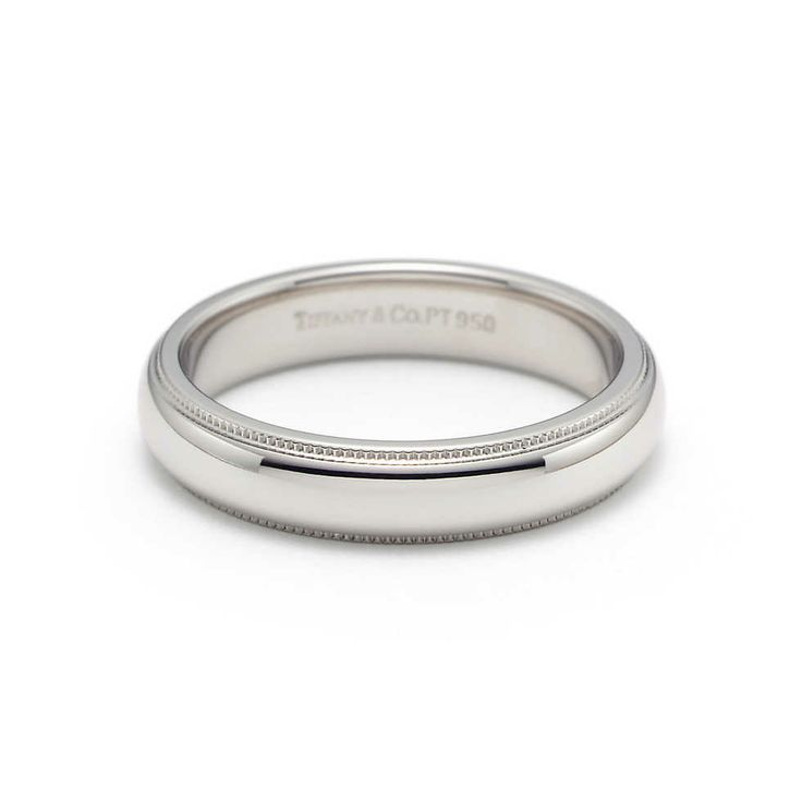 Milgrain wedding band ring in platinum, 4mm wide.
