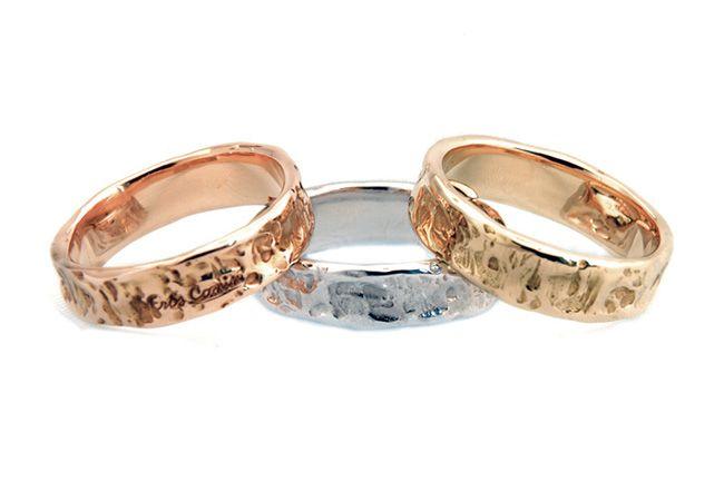 Fedi Nuziali design con lavorazione artigianale dolce nei tre colori di oro 18 kt./ 750