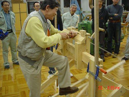 新しい木工・木育の学校 森林文化アカデミー: グリーンウッドワークのスライドと実演/ slideshow and demonstration of green woodwork