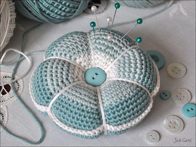 Crochet Pincushion by Carol Draper, via Flickr --- Super cute!! I will definitely be making some larger versions! lol