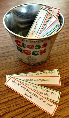 RACK: Random Acts of Christmas (Classroom) Kindness! Great ideas for students to do in the weeks leading up to the holiday break