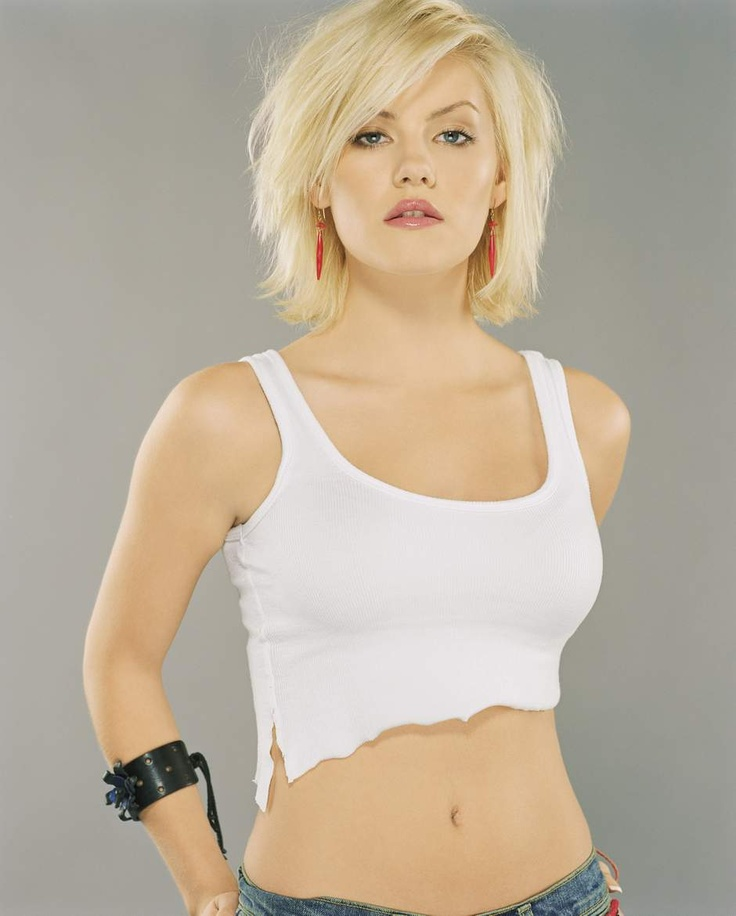 Elisha Cuthbert is so beautiful. Currently growing my hair like hers on this photo.