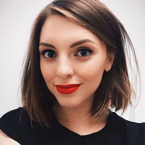 short hair & red lip. @essiebutton is gorgeous. #womancrush