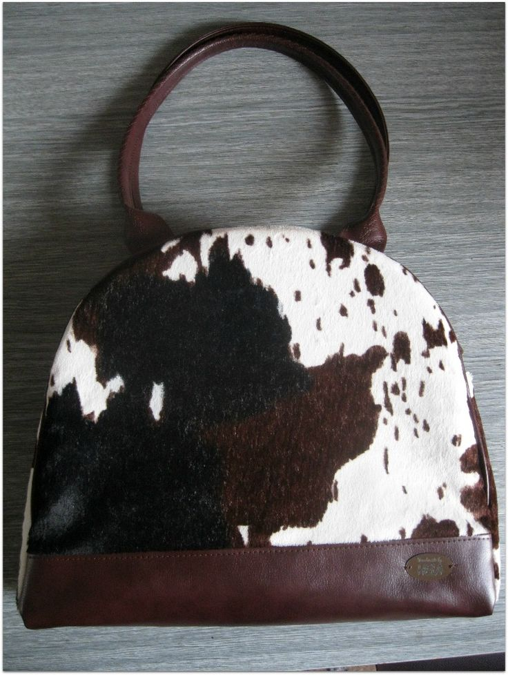 *kraví* kabelka Mija ;-)