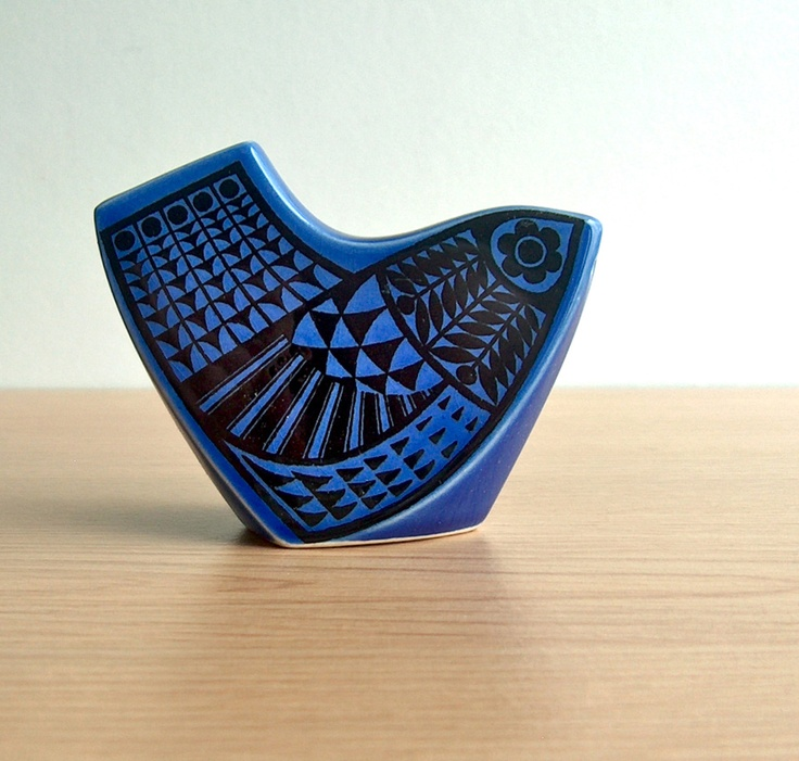 I'm from Hornsea where they made Hornsea pottery and this could not be more up my street! : )  (see what I did there)