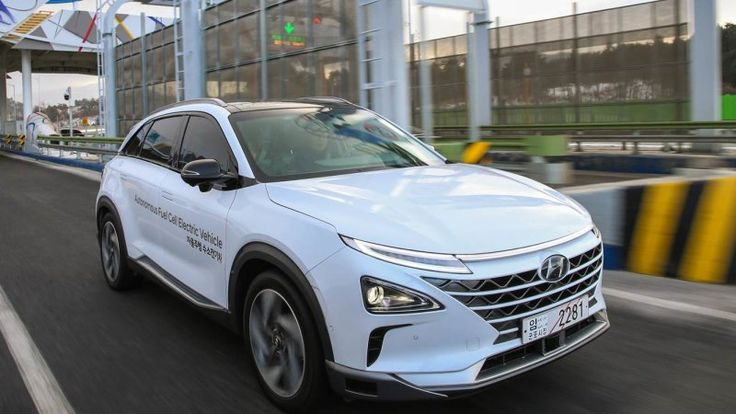 Hyundai takes fully autonomous fuel cell vehicles on 70 mph road trip
