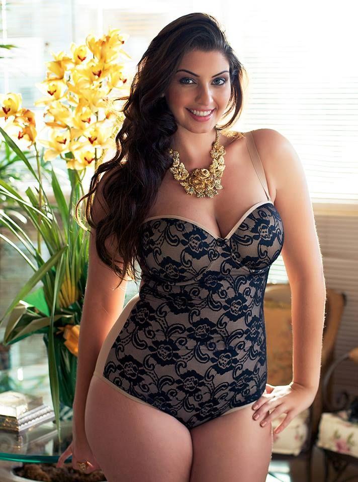 Maria Luiza Mendes - Brazilian Plus-Size Model for Morisco