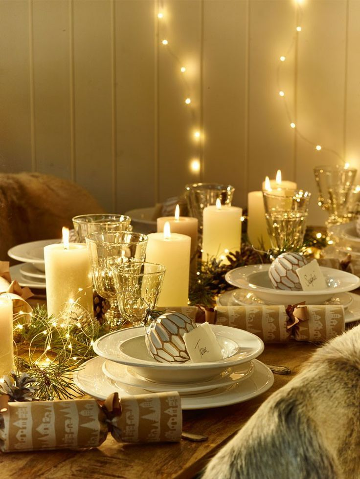 Elegant Dining Room Table Christmas Centerpiece