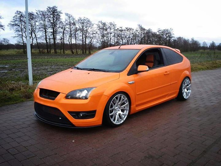 ford focus st mk2 electric orange big rims airtec. Black Bedroom Furniture Sets. Home Design Ideas