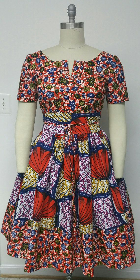Print africain monté Waist Dress. Mi-bas dos. Poches à l