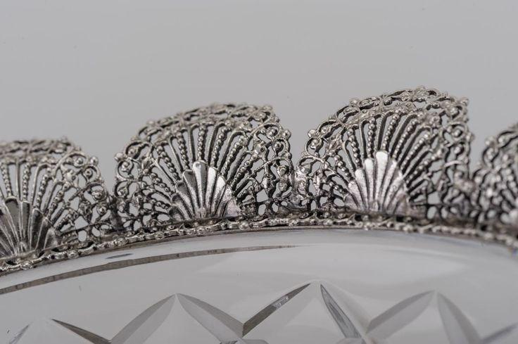 Centrotavola con cristallo d. 26 cm Centerpiece with crystal d. 26 cm Хрустальная ваза с серебряными вставками, диаметр 26 см