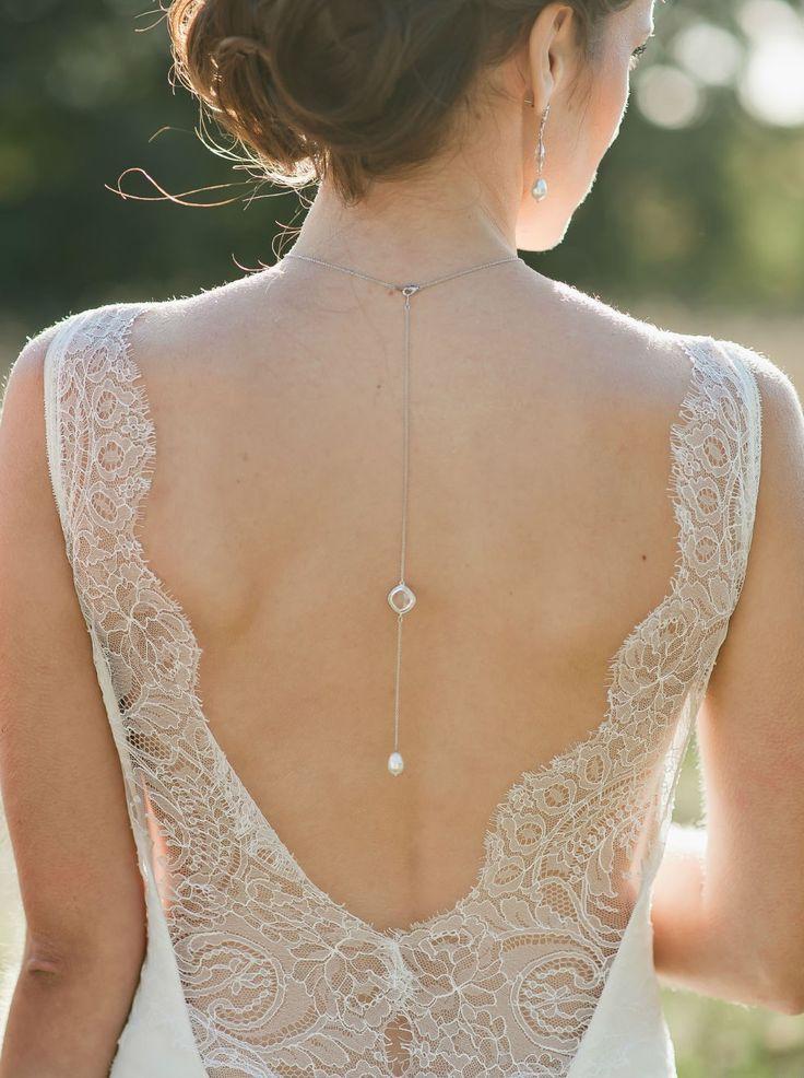 les 25 meilleures id es de la cat gorie mariage collier de robe sur pinterest bijoux mariage. Black Bedroom Furniture Sets. Home Design Ideas