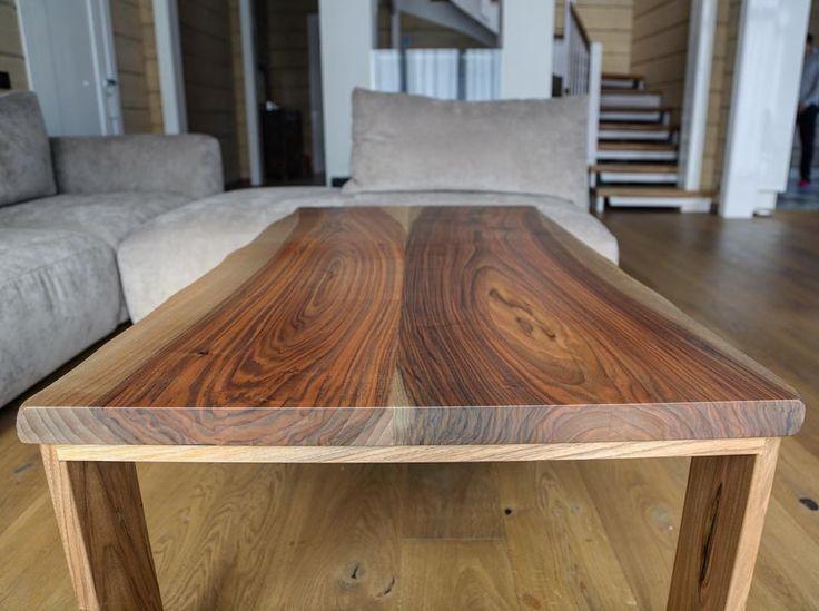 Стол из двух ореховых досок толщиной 40 мм, подстольe изготовлены так же из массива ореха. // Full ...