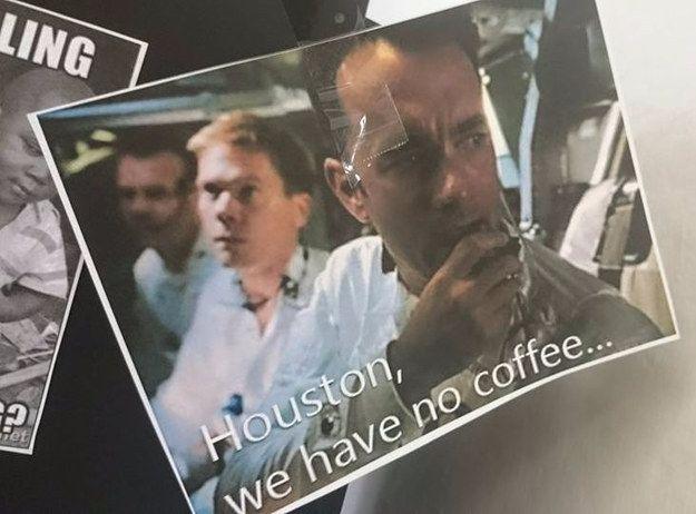 Die Kaffeemaschine geht kaputt und ein Büro rastet aus  -> Kaffeemaschine Büro
