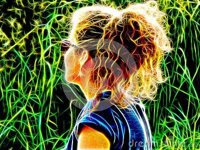 Изображение девушки с вьющиеся волосы в неоновом свете