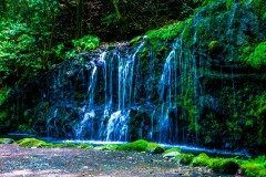 神奈川県の箱根にある千条ちすじの滝が気持ちいい 浅間山へのハイキングコースとしても人気の小涌谷蛇骨川渓谷の上流にある滝です 都会の喧騒を離れて癒されますね 月の上旬には蛍を楽しむことができるのでぜひ行ってみてくださいね tags[神奈川県]