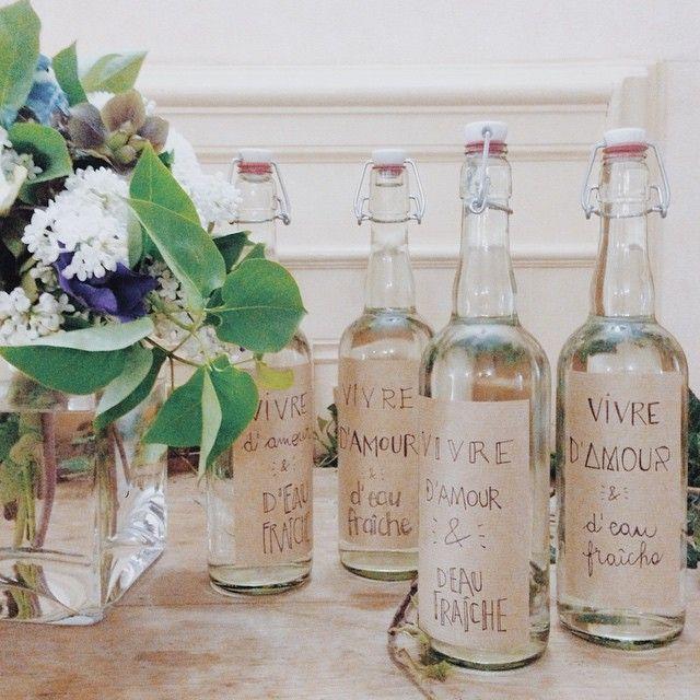 Les 25 meilleures id es concernant les tiquettes des bouteilles d 39 eau su - Mariage guinguette chic ...