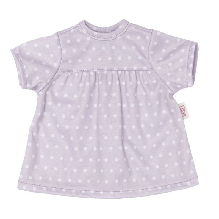 Skrållan Lillan Dockkläder Klänning är en söt, mjuk t-shirtklänning. Den är vitprickig mot lila bakgrund och går att kombinera med byxor eller använda som den är. Plagget passar på Lillan, Anna och David samt andra dockor som är ca 36 cm.<br><br>Rekommenderad ålder: Från 1 år.<br><br>Material: Textil.<br><br>Färg: Lila.