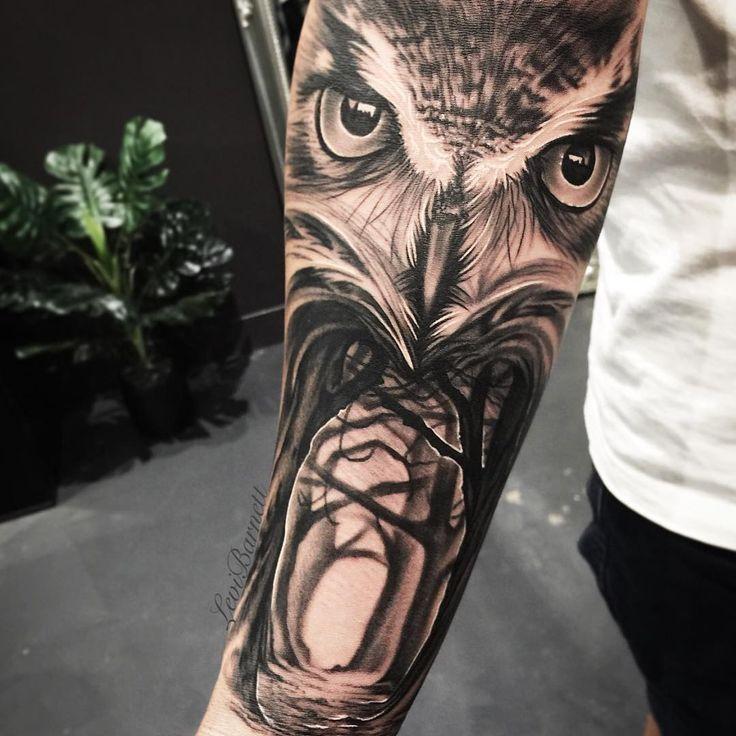 Stunning realistic owl