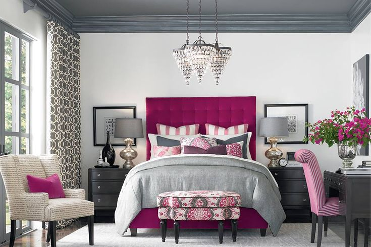 I like the comforter color with the fuschia.