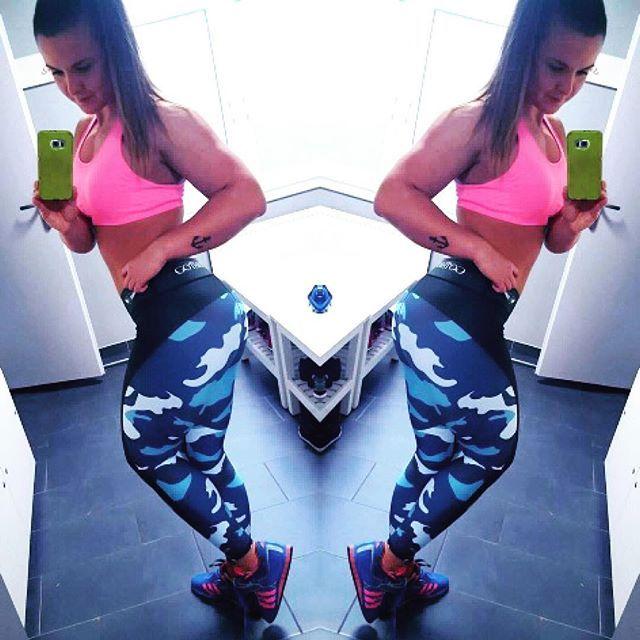 Prosto z treningu pozdrawia Was nasza słodka #gothicpharmgirl @lechowiczpaulina_powerlifting  Prezentowany model legginsów Camo Blue znajdziecie oczywiście na naszej stronie  www.gothicpharm.com  Dołącz do naszego Teamu  #gothicpharm #deadlift #powerlift #powerliftinglife #powerpolish #polishgirl #strongwomen #gym #strong #siła #silownia #trening #motivation #powerliftingmotivation #gymhero #legginsy #trenujemy #motywator #leggins #leggings #gymlife #gymlifestyle #shredded #strongisse...