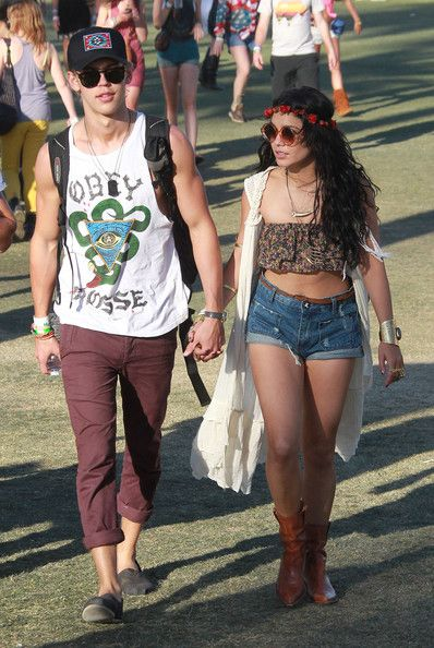 """Vanessa Hudgens and Austin Butler Photos Photos - Celebrities gallivant around the grass areas of the """"Coachella Music Festival? on day 3 of the massive event located in the Coachella dessert of California on April 15, 2012.   - Coachella Music Festival: Day 3"""