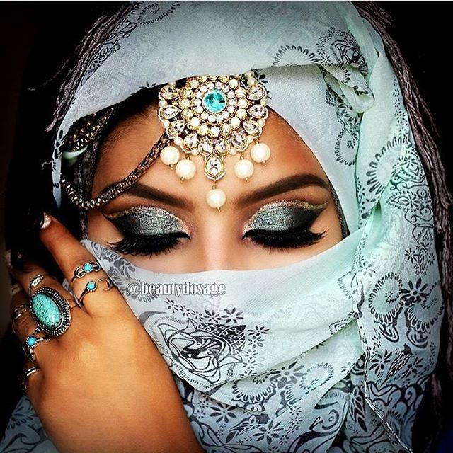 Throwback  Hope you guys are enjoying some throwbacks while i get back   using @hudabeauty @alyakattan  @shophudabeauty farah lashes! Had so much fun doing this  let me know what do you guys think   ______________________________________ Products Used  @nyxcosmetics eyeshadow base in black (as a base) @makeupgeekcosmetics @makeupgeektv eyeshadows in vanilla bean (brow bone), cocoa bear (crease) chikadee (crease), corrupt (outer v & lower lashline), shimma shimma (inner corne...