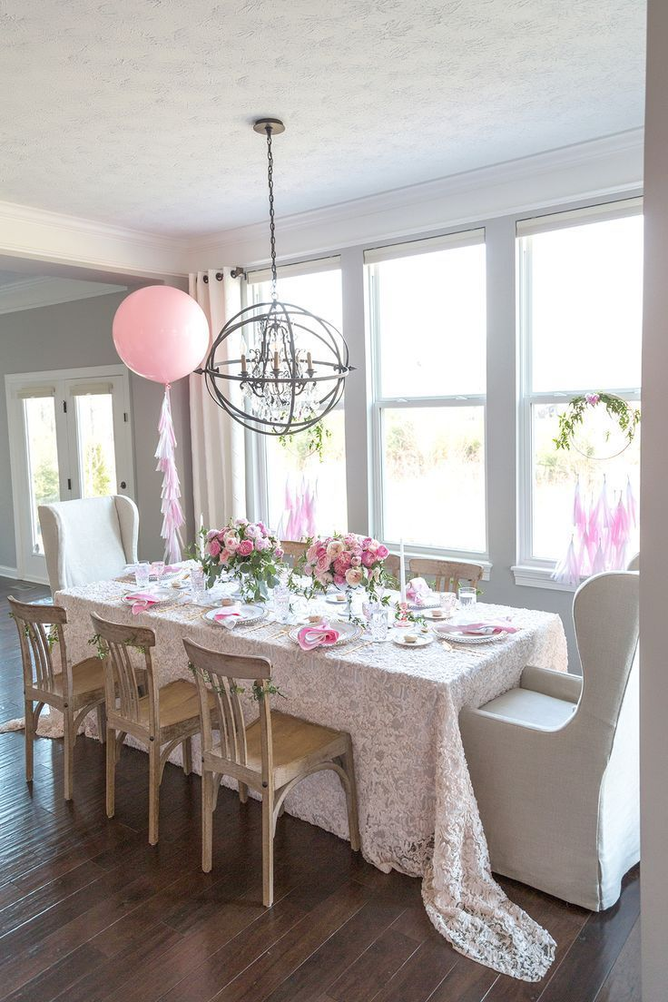 Cheers to Mom: Stylish Mother's Day Brunch Party