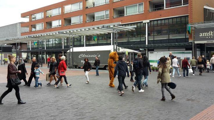Uitdelen op Amstelveen Stadshart!