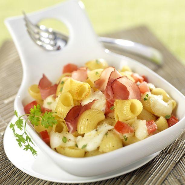 Pasta al prosciutto e mozzarella  #pasta #prosciutto #mozzarella #primi #lumaconi