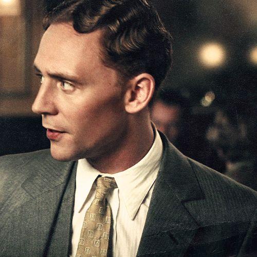 What a marcel wave! Tom Hiddleston as F. Scott Fitzgerald , Midnight in Paris