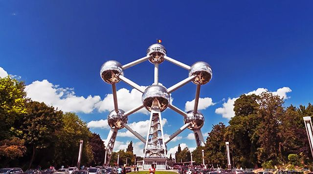 Atom-Lapse: A Timelapse of André Waterkeyn's Iconic Atomium Building by Richard Bentley