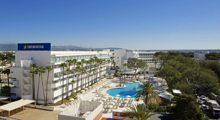 Iberostar Cristina Playa de Palma Surrounded by pine trees, the Iberostar Cristina is located just 100 metres from the beach in Playa de Palma. Renovated in 2015, it offers a relaxing spa area and outdoor pool.