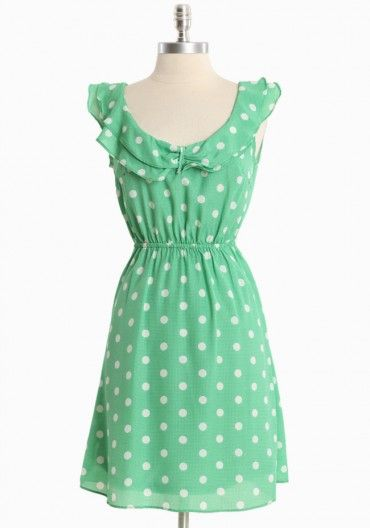afternoon engagement ruffle dress in green / ruche