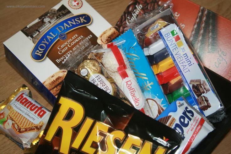 İşten çıktın, trafik çilesi başladı!  Bu durumda trafiği çözmez ama lezzetli bir çikolata keyfini yerine getirir   Atıştırmalık Çikolatalar Mini Paket bu gibi durumlar için kargo dahil sadece 57 TL  www.cikolatalimani.com