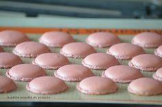 Voici le pas à pas en images pour ne plus rater ses macarons pour environs 30 macarons  INGRÉDIENTS ...