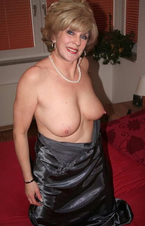 Older ladies 60 plus naked