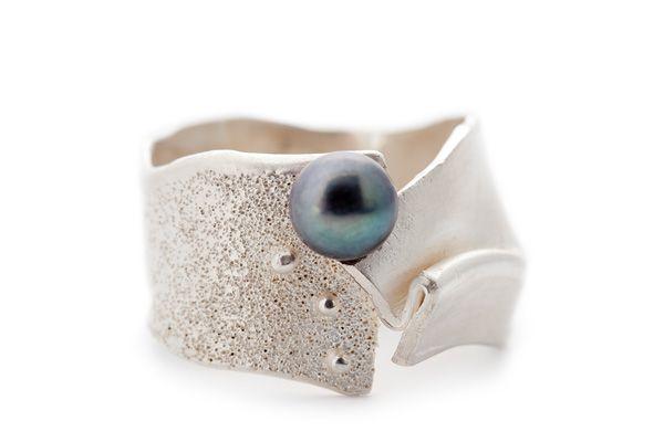 Ontwerp je eigen Wim Meeussen Juweel - Resultaat: Zilver ring met zwarte parel
