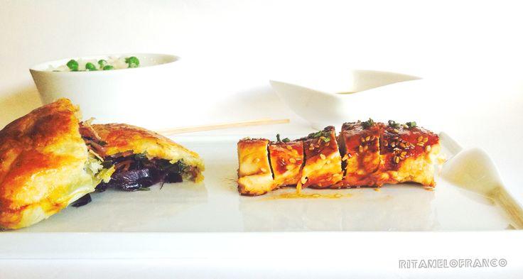 Crepe chinês com arroz ervilhas e frango com mel e sementes de sésamo  https://ritamelofranco.blogspot.com