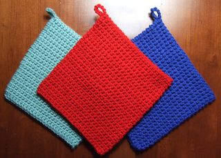 My most favorite potholder pattern. I also make these smaller and use for drink coasters