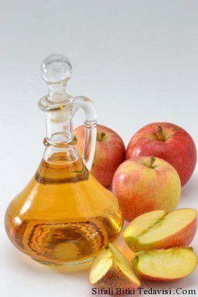 Elma sirkesi birçok hastalığa şifa veren ve salatalarda kullanılabilen bir sirkedir. Birçok kişi bu şifalı sirkeyi gün içinde içerek zayıflamaya çalışır. Peki #Elma Sirkesi Faydaları Nelerdir?
